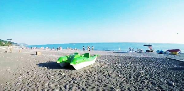 Пляж – дом отдыха Колос