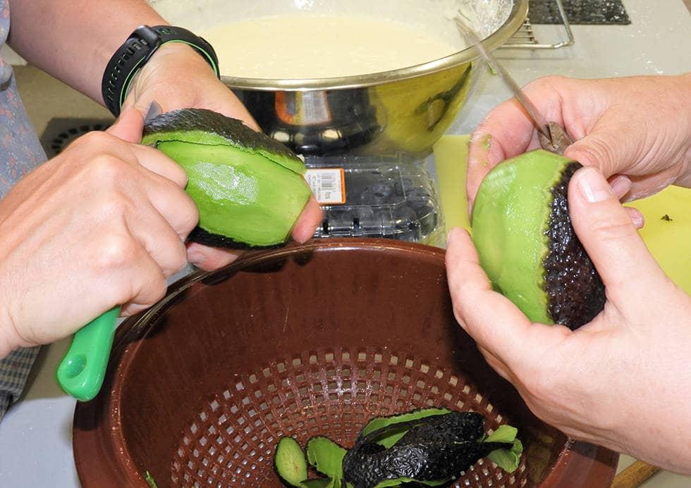 Готовим суп с авокадо