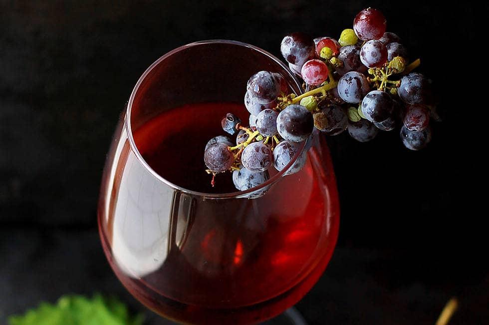 Легкое красное вино