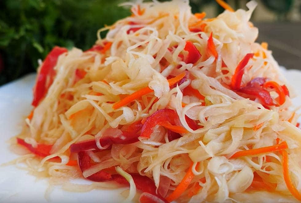 Квашеная капуста со свеклой и морковью