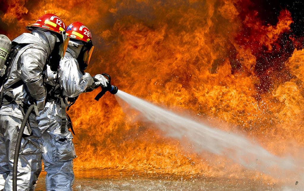 Пожарные достигают цели